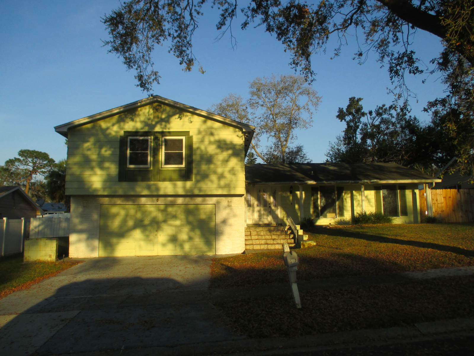 We buy houses FL in Apopka. Sell my house fast Apopka for cash.