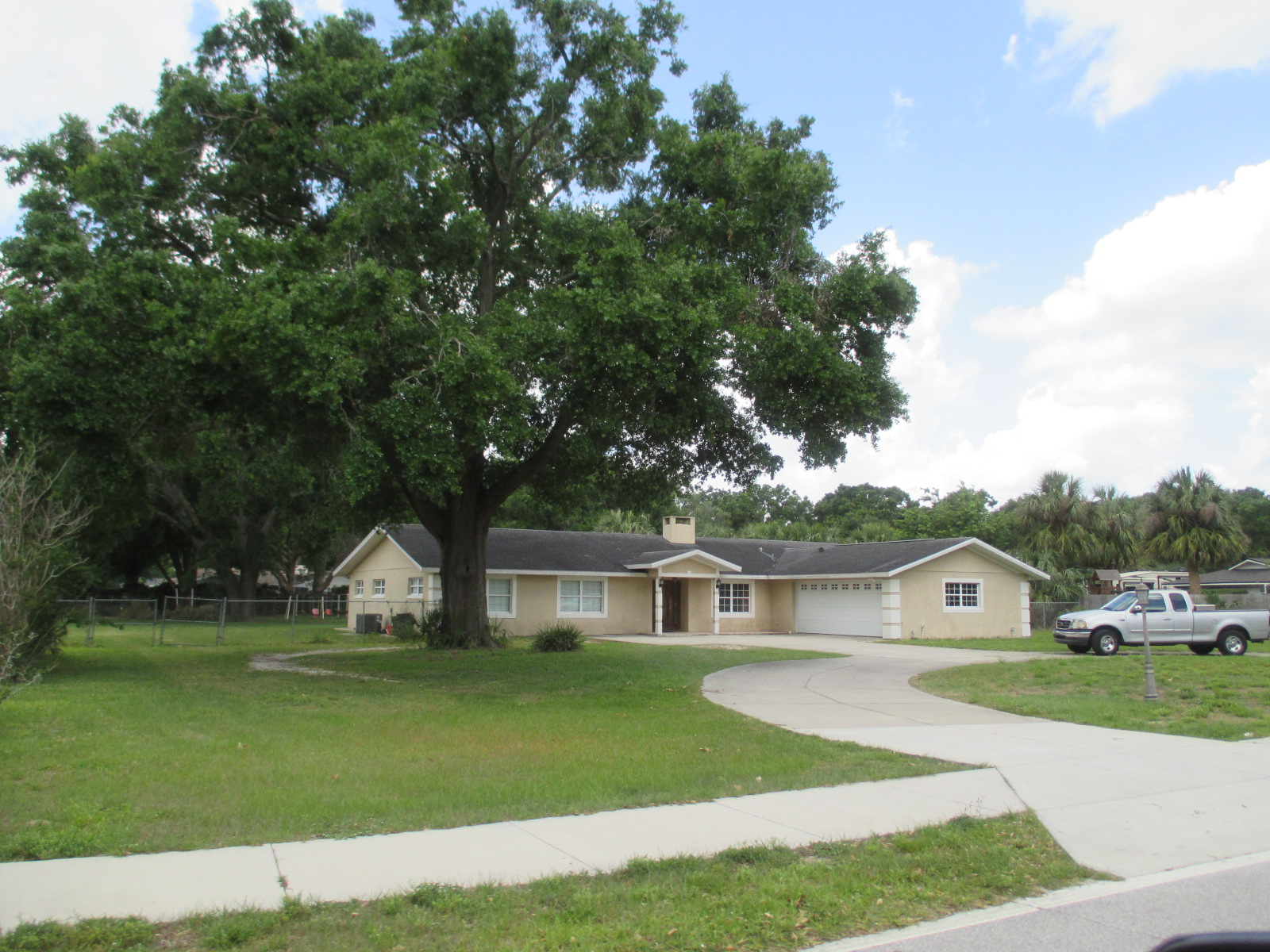 We buy houses FL in Cape Coral. Sell my house fast Cape Coral for cash.