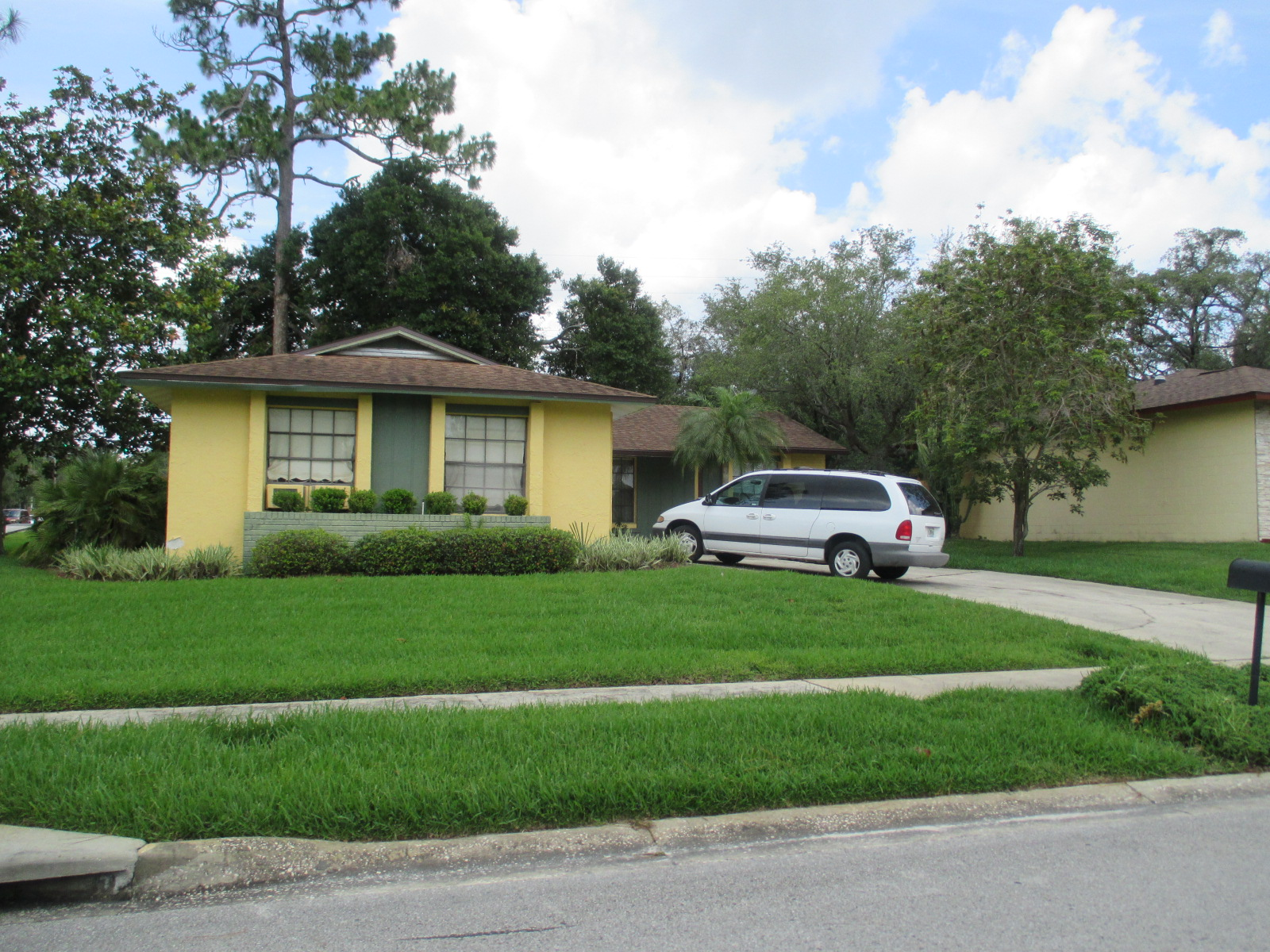 We buy houses FL in Dunnellon. Sell my house fast Dunnellon for cash.