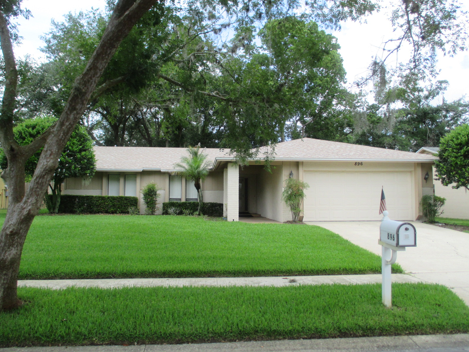 We buy houses FL in Edgewater. Sell my house fast Edgewater for cash.