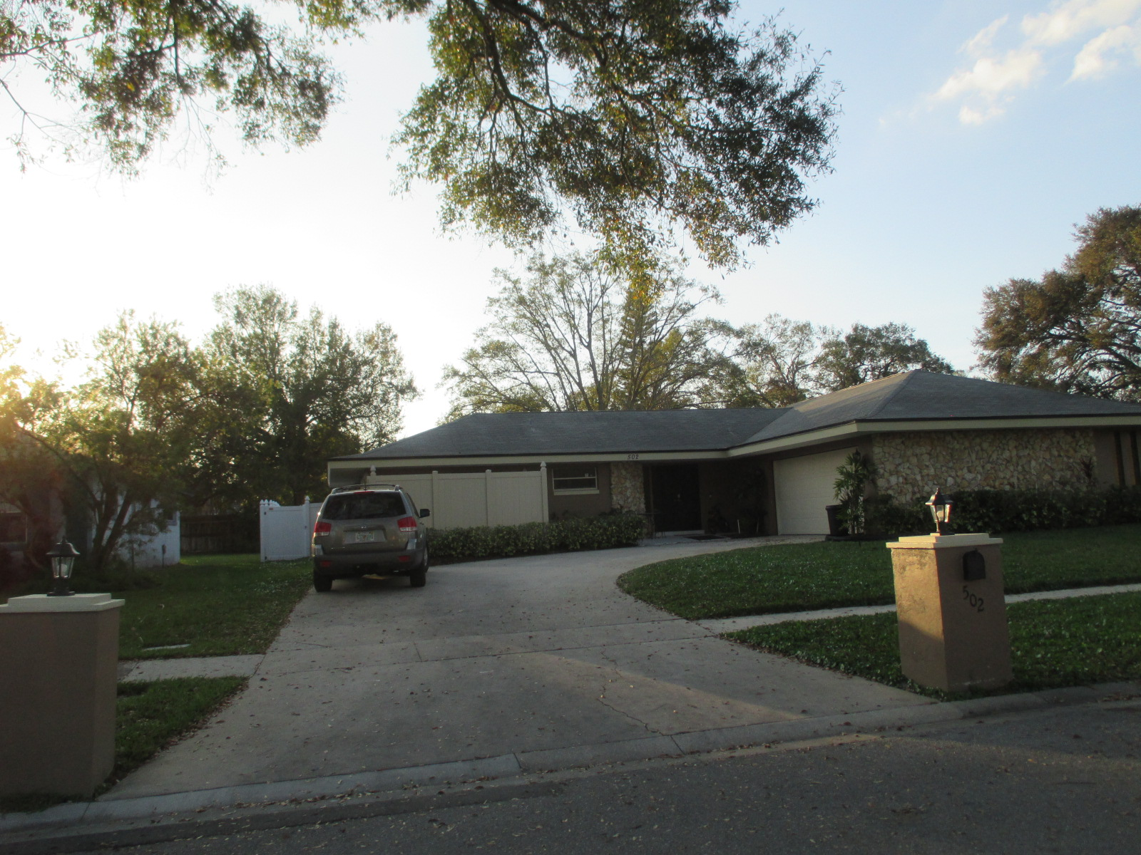 We buy houses FL in Homosassa Springs. Sell my house fast Homosassa Springs for cash.