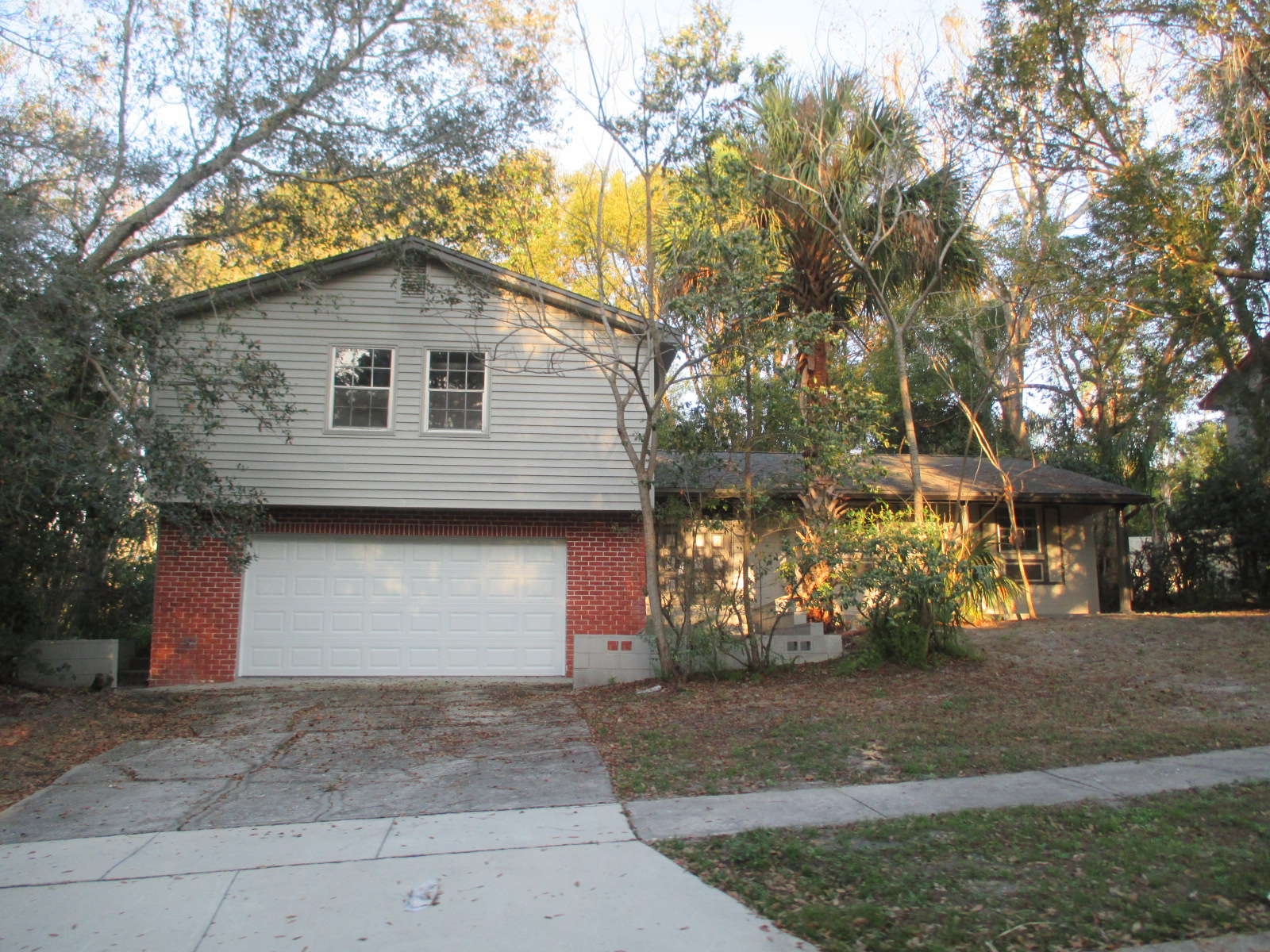 We buy houses FL in Mount Dora. Sell my house fast Mount Dora for cash.