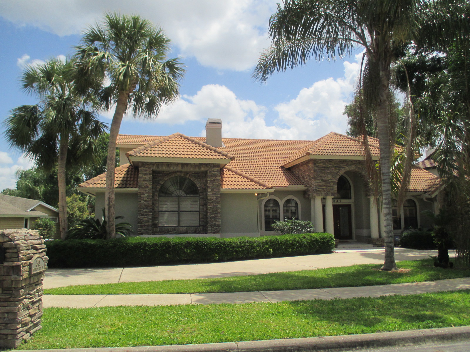 We buy houses FL in Sanford. Sell my house fast Sanford for cash.